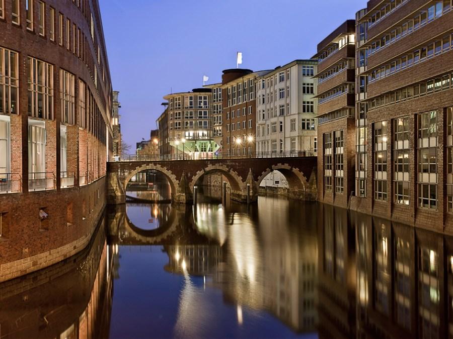 9 Bruggen in Hamburg, Ellerntorbrücke, foto door Tim A. Bruening   Standort Hamburg