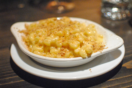 Manchego and Cheddar Mac n Cheese Fresh Thyme and Bread Crumbs