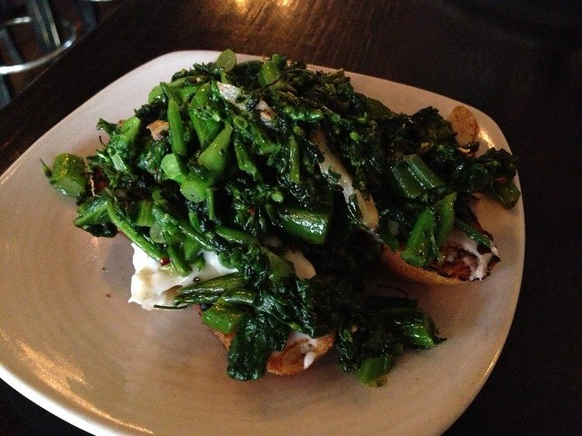 Bruschette of crescenza and broccoli rabe - Beretta