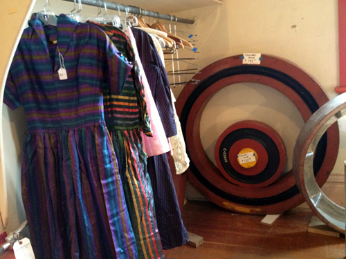 Dresses and circles