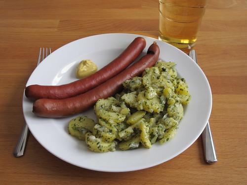 Pferde-Knackwürste zu Grünem Kartoffelsalat