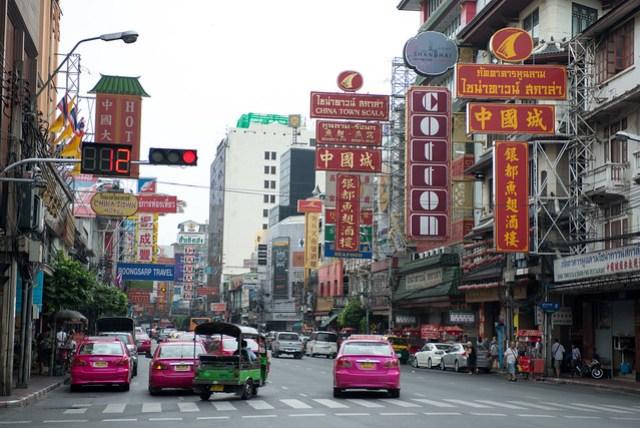 經過一段小迷路,終於來到中國城,幸好有可以上網的 iPhone