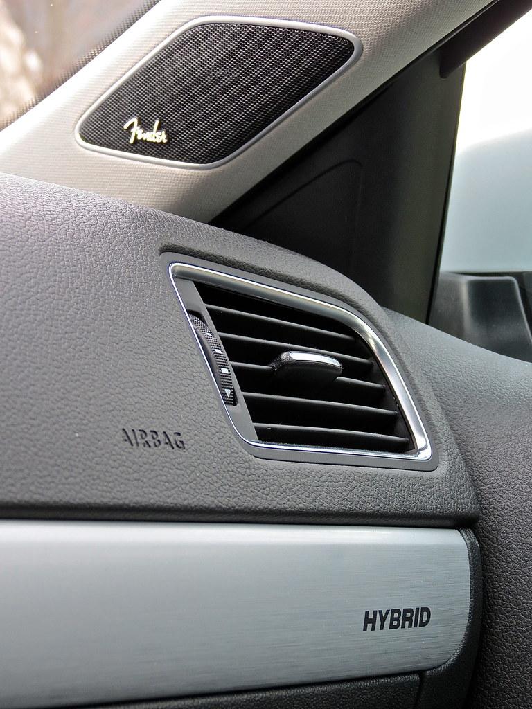VW Jetta Hybrid Fender sound system
