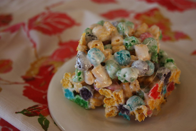 Cap'n Crunch Krispy Treats: Sunday Morning Sugar