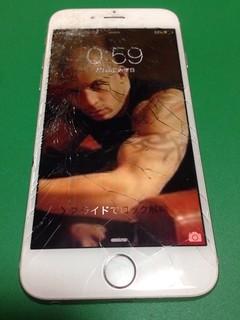 144_iPhone6Sのフロントパネルガラス割れ