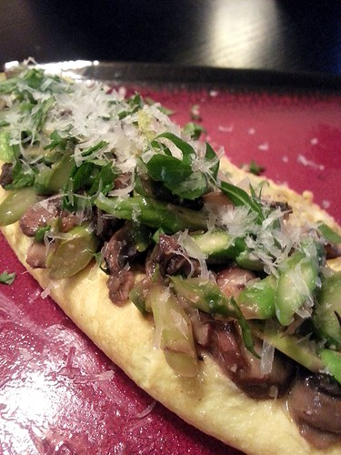 crimini mushroom and asparagus French omelette by pipsyq