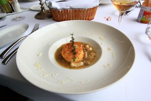 Roman gnocchi in Venus clam soup