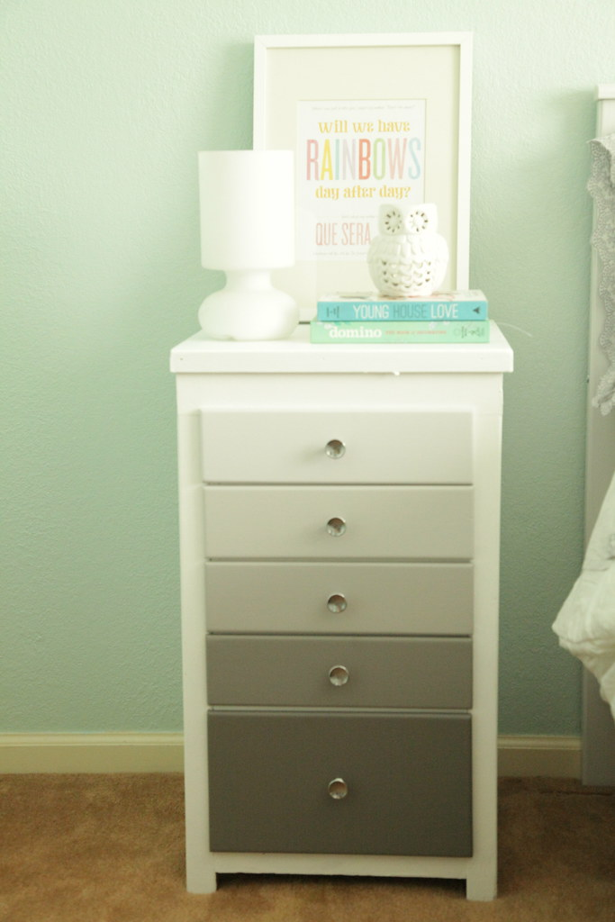 Ombre Nightstand for the Guest Room #thelovelygeek