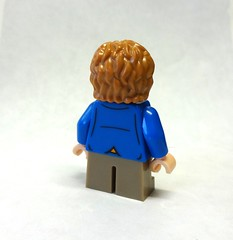 Target Exclusive Bilbo minifig back detail