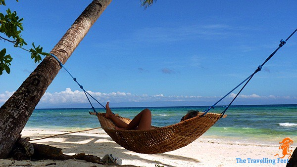 relax at the Candanay Sur beach