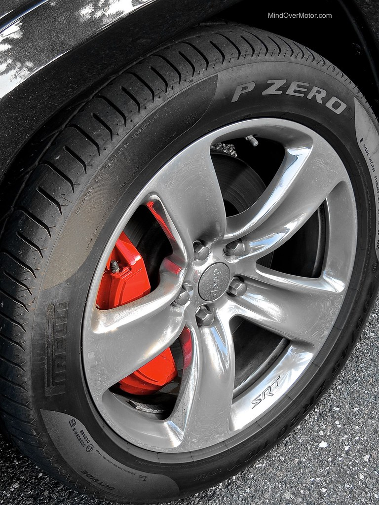 Jeep Grand Cherokee SRT-8 Brembo Brakes