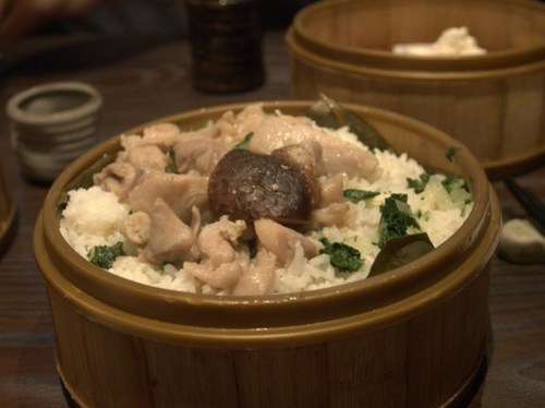 Steamed chicken with mushrooms and rice