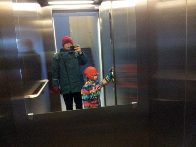 15.30 - Två blötdjur i hissen