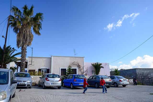 【戶外停車場】San Giorgio Villas in Fira, Santorini, Greece.
