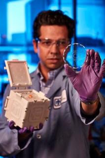 Microfluidics device