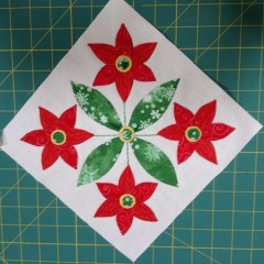 Jingle appliqué block 7