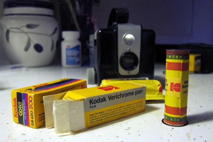 Kodak Brownie Hawkeye and expired film *EXPLORED*