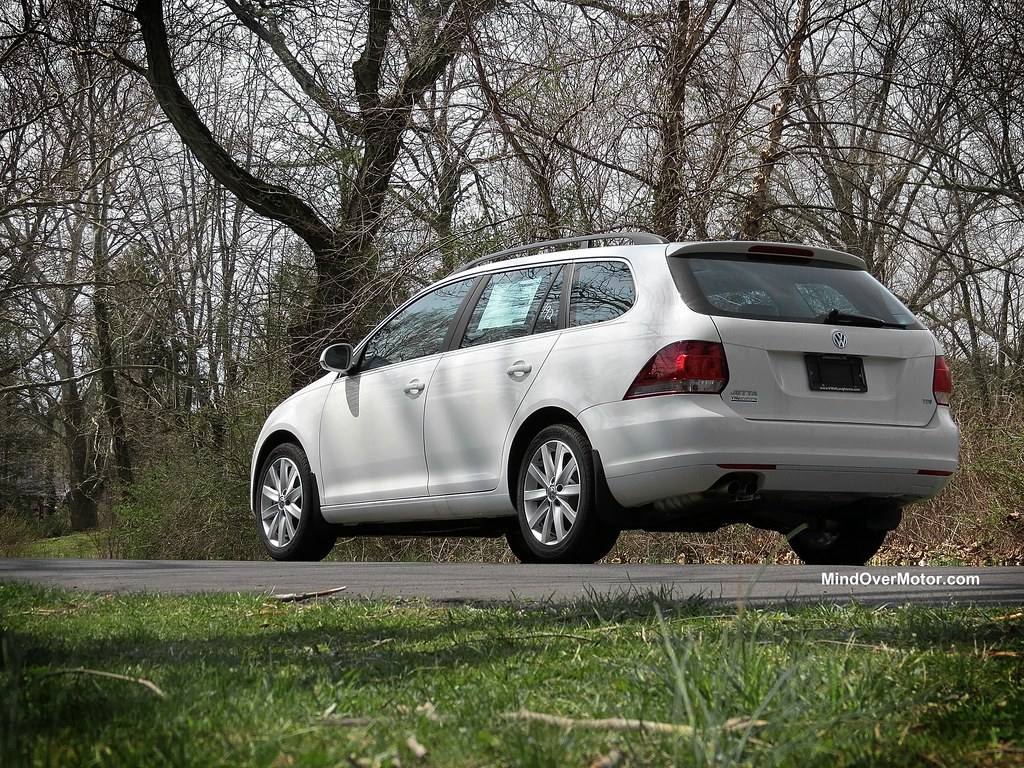 Volkswagen Jetta Sportwagen TDI Manual reviewed by Mind Over Motor