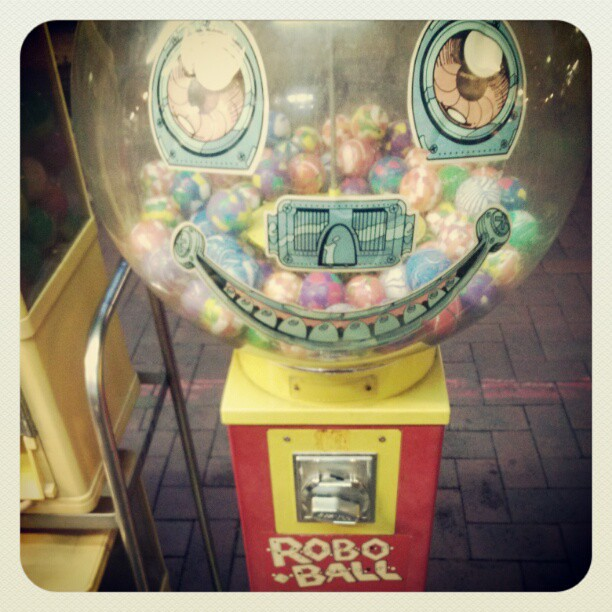 Retro turn-a-ball machine
