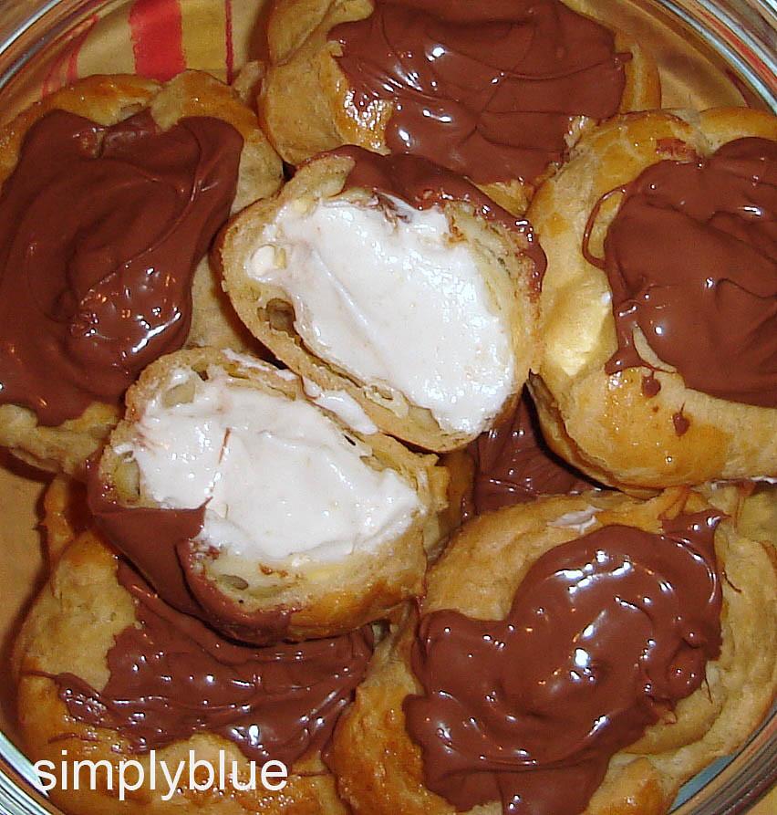 еклери покрити с шоколад