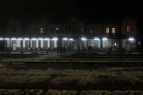 Late night stop at Vințu de Jos station