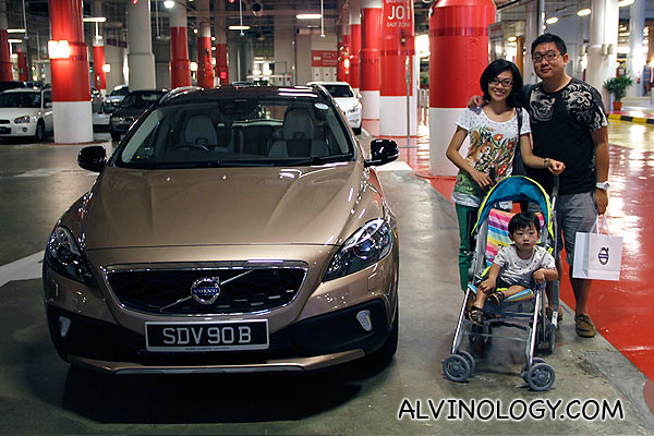 The Alvinology family at the car park of Resorts World Sentosa