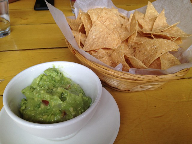 Tortilla chips and guacamole - La Carta de Oaxaca