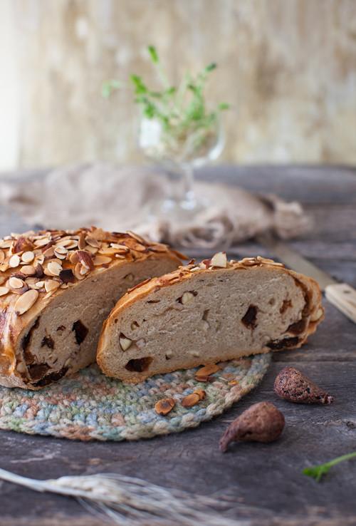 Almond Fig Bread 2