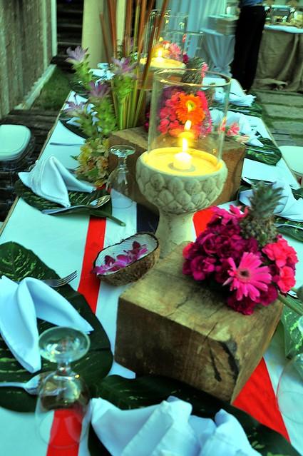 Luau Table Setting