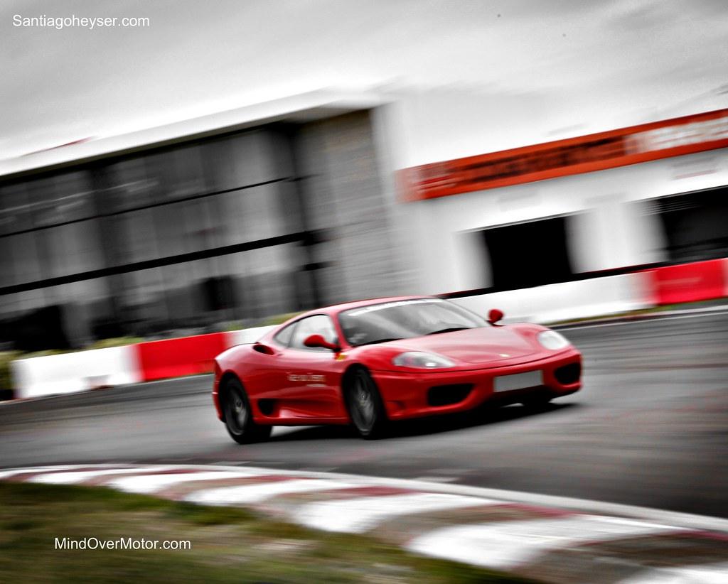 Ferrari 360 Moden on the track