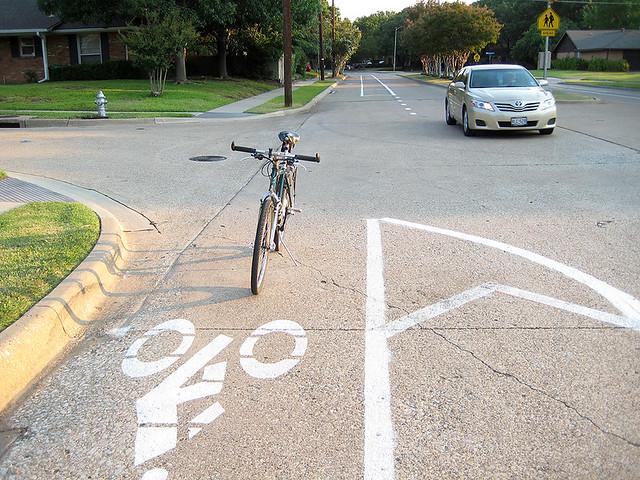Bike Lane Canyon Creek Drive