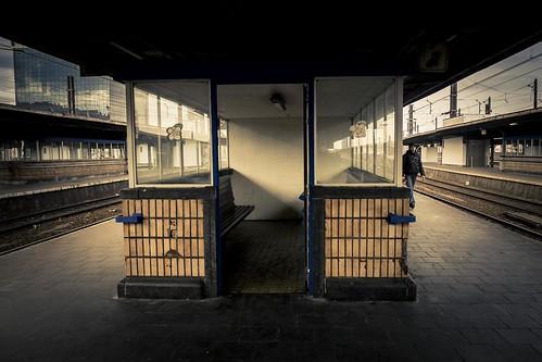 Pas perdus (Lost Steps) - Gare du Midi, Bruxelles - Photo : Gilderic