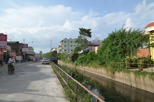 Street 105 Canal