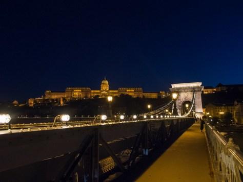ブダペスト鎖橋の夜景
