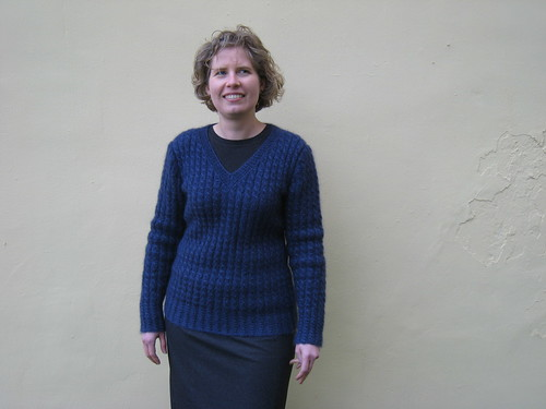 2012_03_02_Sweater-Girl-Pullover_c_front