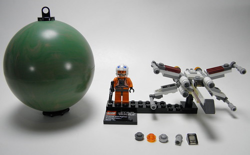 9677 X-Wing and Yavin 4