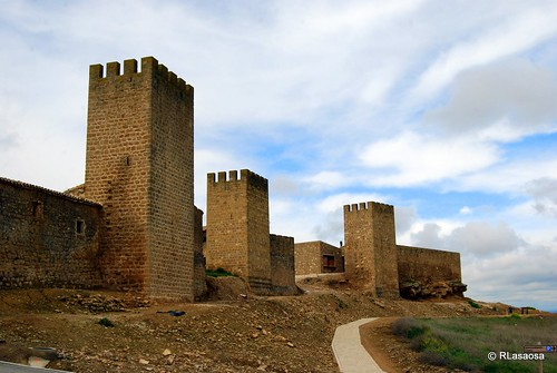El Cerco de Artajona, Navarra by Rufino Lasaosa