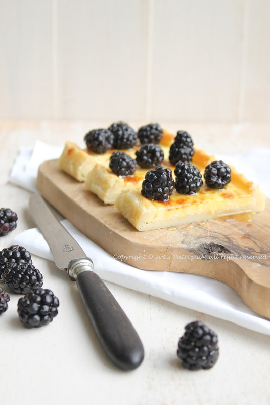 Cheese pie with blackberries and lavender honey