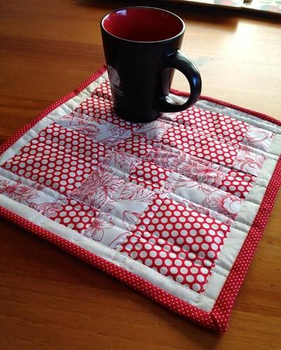 red mug rug