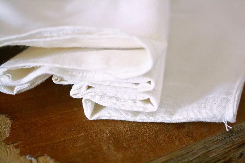 folding t-shirt for shibori printing