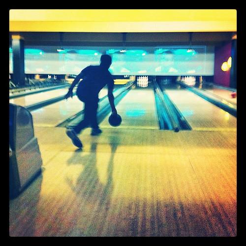 bowling trafford centre