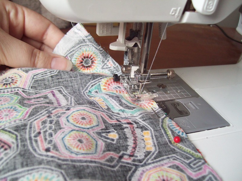 zig-zag stitch the pockets closed with a small seam allowance