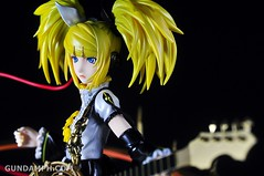 Max Factory Kagamine Rin (Nuclear Fusion Ver.) Unboxing & Review (50)