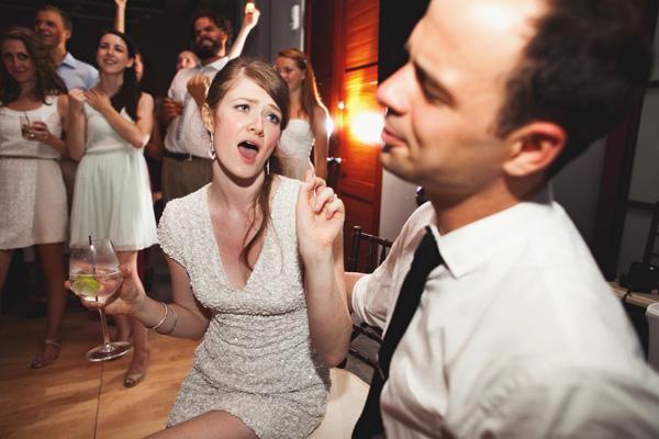 003_wedding dance party singing bride groom