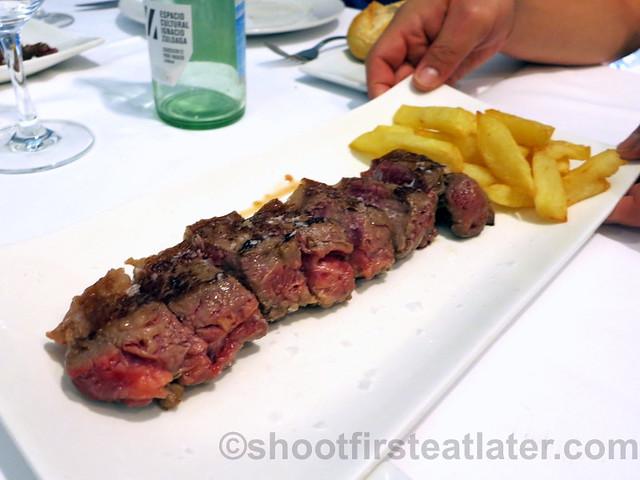 entrecot con patata (steak & potatoes) €13.50