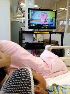 術後に「アンパンマン誕生」視聴。出生の秘密があきらかに。