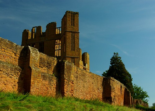 20120909-04_Kenilworth Castle - Outerwalls - Tower by gary.hadden