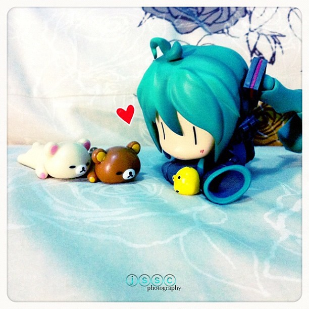 Rilakkuma and Miku by jsscwx