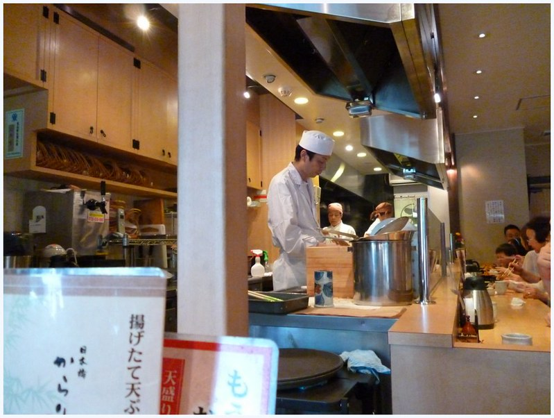Kamakura soba restaurant kitchen