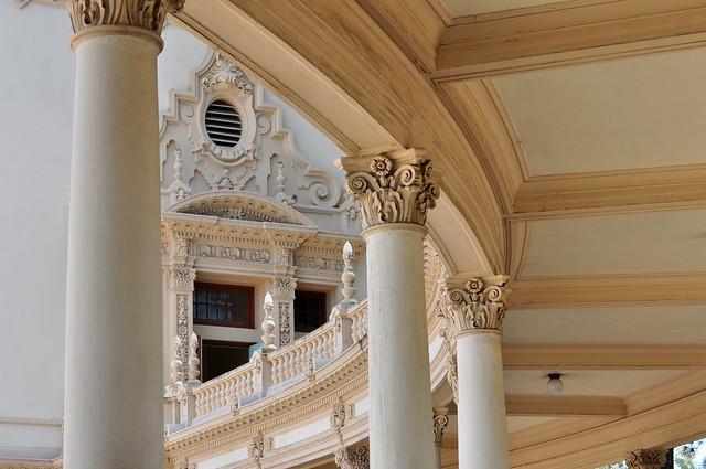 Spreckels organ columns